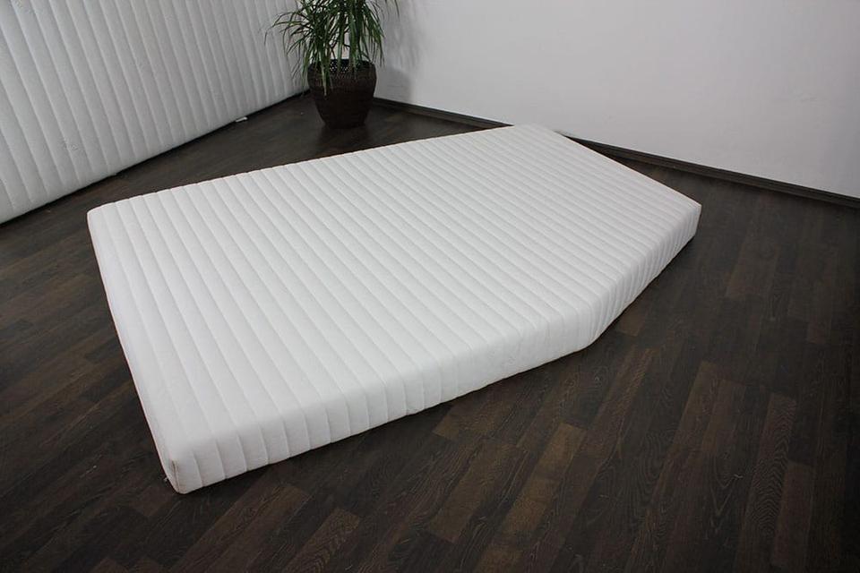 wohnmobilmatrazten f r sie pers nlich angepasst. Black Bedroom Furniture Sets. Home Design Ideas
